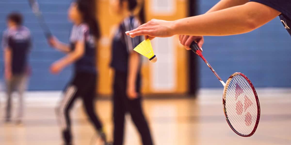 Melhores-Raquetes-de-Badminton