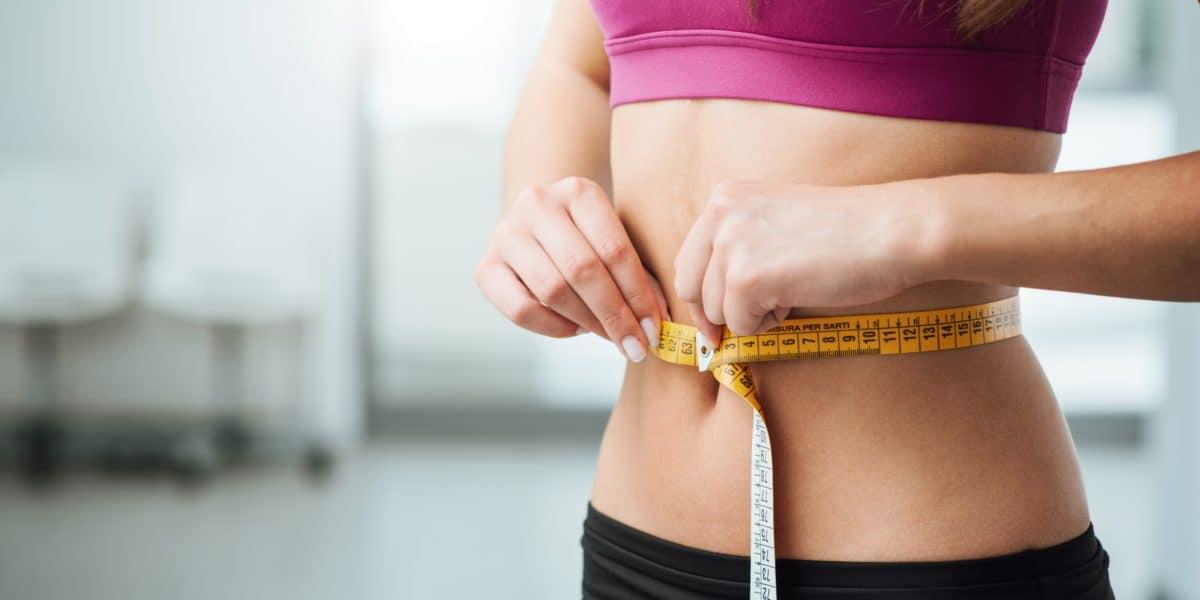 O emagrecimento é um dos benefícios mais almejados pelos usuários do Whey Protein.